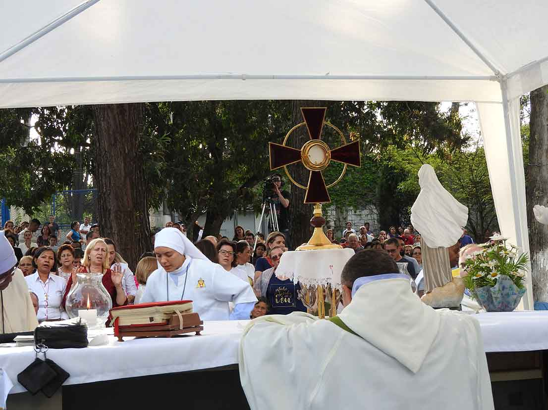 Foto da Missa de cura de outubro de 2017