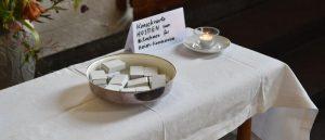 Hóstia Consagrada na mesa